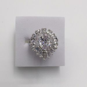 2 CARAT AAA CUBIC ZIRCONIA 18K White gold filled 7